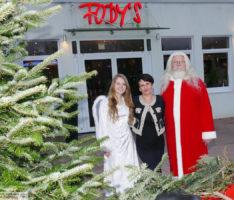 Der einzige wirklich ganz echte Nikolaus kam zu Besuch ins Fody's Restaurant Leimen